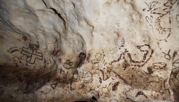 Detail of what could be the most important ancient Mayan cave paintings on the Yucatan Peninsula, discovered deep in the jungle by archaeologist Sergio Grosjean Abimerhi and his team. Source:  EFE-EPA/Sergio Grosjean Abimerhi