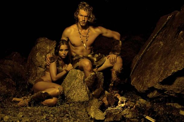 Evidence points to the fact ancient humans and Neanderthal were lovers and not fighters. (alexmina / Adobe)