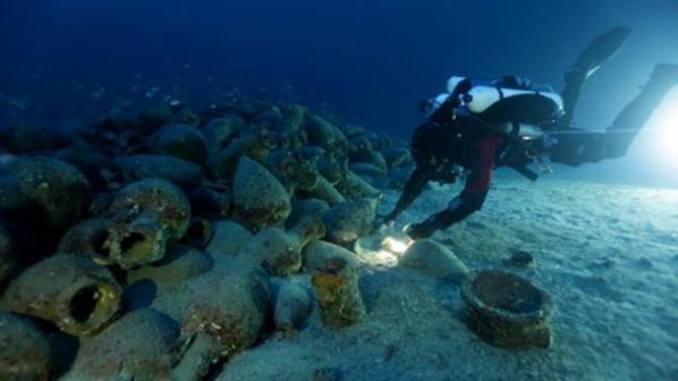 2000 años de edad, naufragio y altar de sacrificios encontrado cerca de Islas Eolias