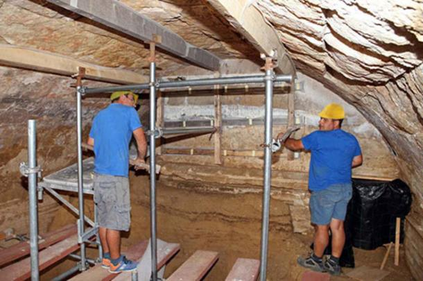 Archaeologists are busy excavating within the Amphipolis tomb