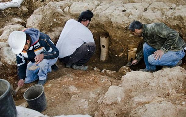 The archaeologists also uncovered the foundations of a bathhouse, including terracotta pipes used to heat the building.