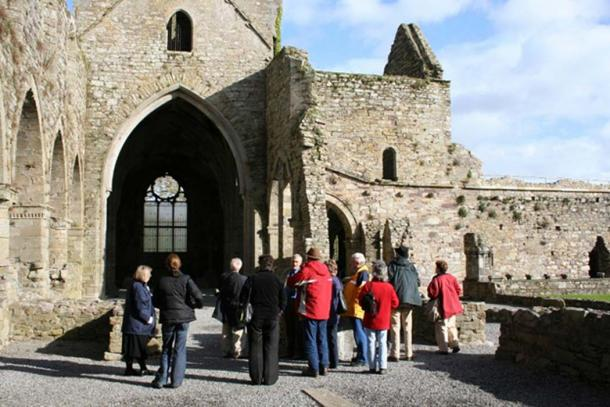 90% view archaeology as important for tourism. (Heritage Council)