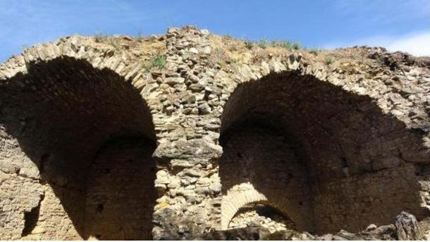 Some of the many arches, classic to Roman architecture. (TurkiyeTurizm)