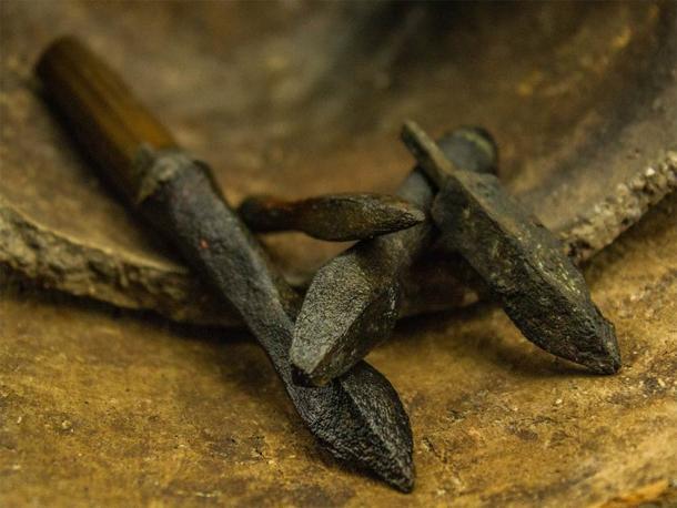Medieval arrowheads found on the bottom of Lednica Lake (Nicolaus Copernicus University)
