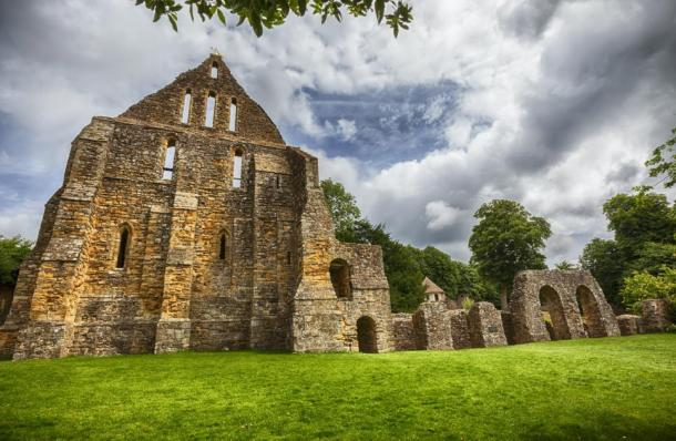 Photo of Battle Abbey ruins complex in Battle, Sussex, UK, where the ancient relic list that included Santa's bone was found. (araraadt / Adobe Stock)