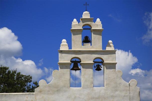 Bell tower at Mission San Juan Capistrano, San Antonio (Patrick J. Wall/Danita Delimont / Adobe Stock)