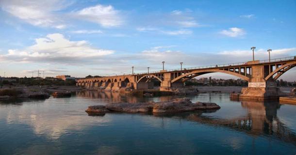 The Old bridge of Dezful.