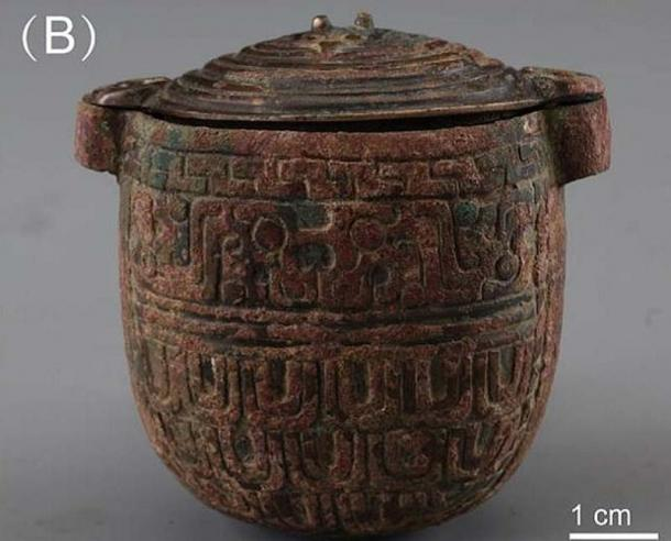 The bronze jar in which the 2,700-year-old facial cream was found. (Han et al. / Archaeometry)