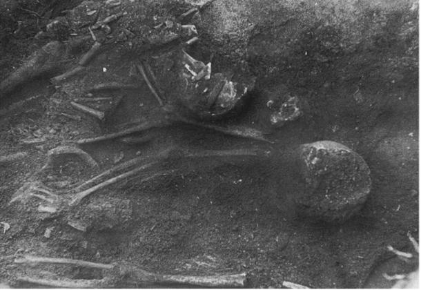 Photo of 1962 burial after detection on the first day.