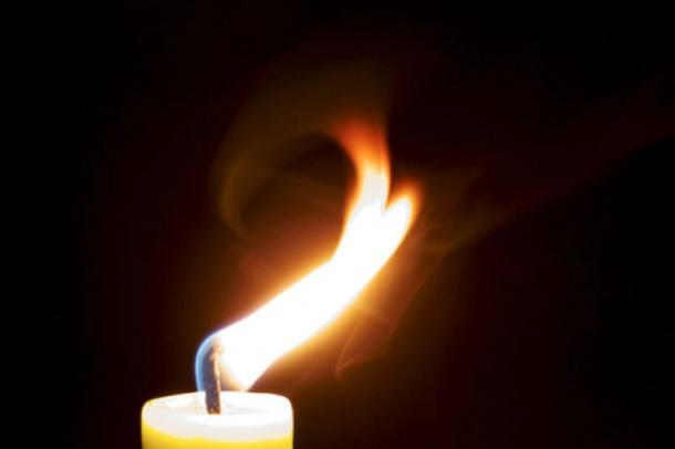 Legends say a candle lit the room on fire and caused the tragic end of the Green Lady's life.