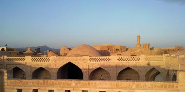 View over the caravanserai to Kharanaq