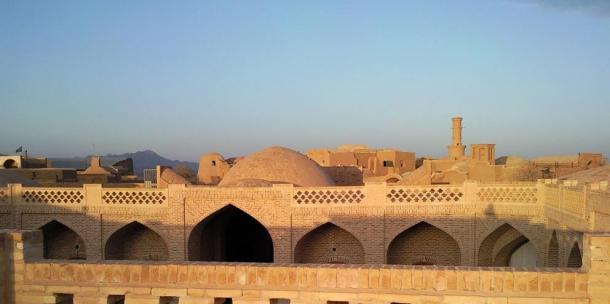 View over the caravanserai to Kharanaq
