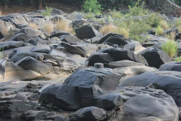 Along the river Shalmala in Karnataka thousands of beautiful carvings of yonis, lingas and Nandi are exposed when water levels drop.