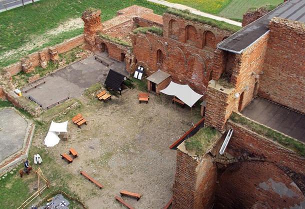 Radzyń Chełmiński castle courtyard.
