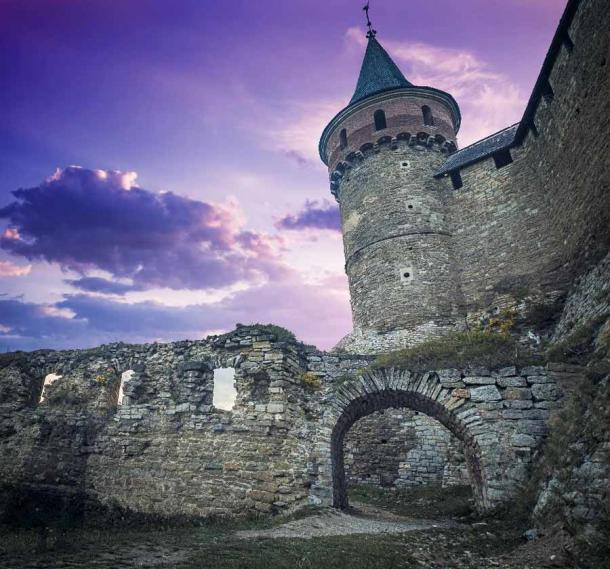 Today, the Kamianets-Podilskyi Castle is an open-air historical museum. (Goinyk /Adobe Stock)