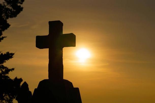 "As the celestial sun, he rises (is ""born"") each day."