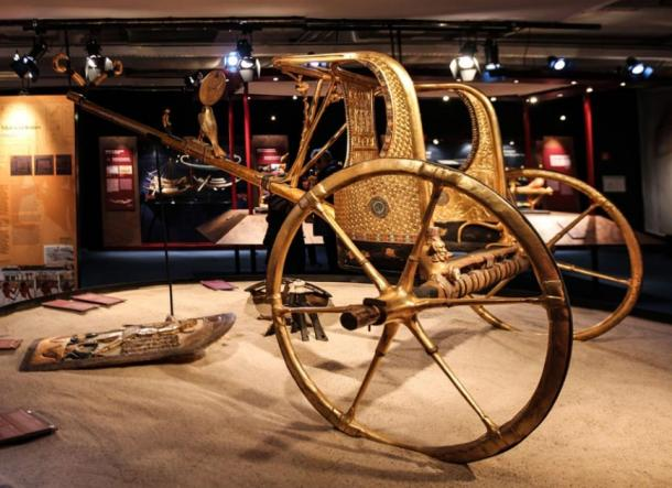 Ancient Egyptian chariot found in the tomb of Pharaoh Tutankhamun (Public domain)