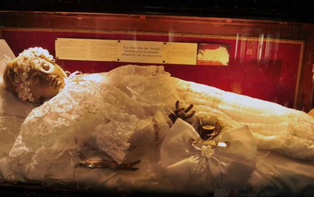 300-Year-Old Child Mummy Appears to Open Her Eyes in Creepy Video Shot in Mexican Cathedral