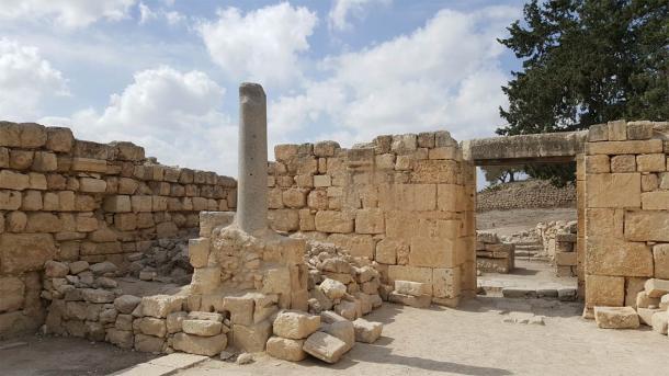 The ancient Byzantine church entrance (ovedc / CC B-SA 4.0)