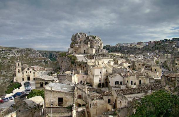 The cliff of the Madonna de Idris