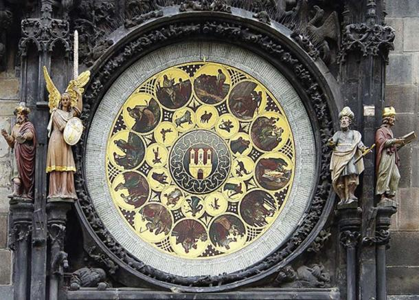 Bottom – the calendar portion of the clock with a philosopher, a chronicler, an astronomer, and an angel. (CC BY SA 3.0)