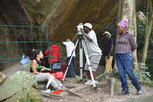 Paper co-author Dr. Christine Ogola oversees excavations at Kakapel Rockshelter. (Image: Steven Goldstein)