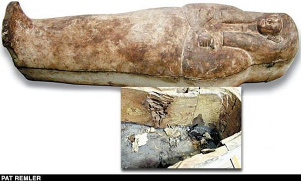 The uninscribed coffin of Unknown Man E with inset photo of interior.