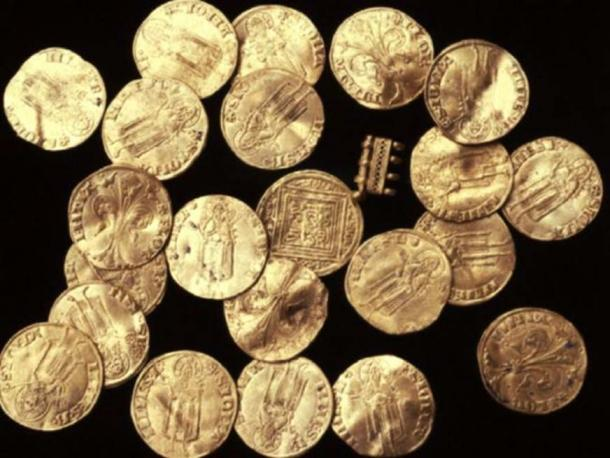 Florins found in the Crusader shipwreck of Acre harbor.