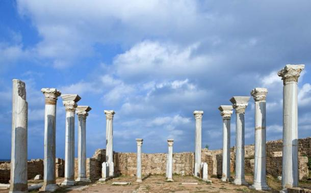 Magnificent columns that once graced the Basilica of Apollonia (Guimas / Adobe Stock)
