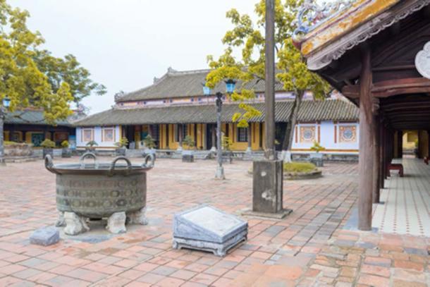 Courtyard of Imperial City in Hue, Vietnam (santiago silver/ Adobe Stock)