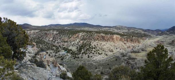 Clear Creek Canyon, Panorama, taken from an opposing bluff. (Photo © John Lundwall)