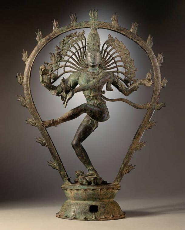 A dancing Shiva. Chola dynasty statue, India.