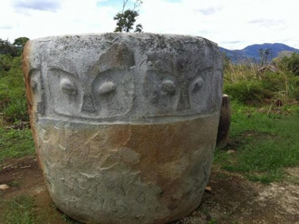 A decorated kalamba.