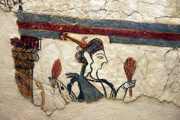 The detail of the Potnia Theron belongs to the largest piece of Mycenaean wall painting preserved in Mycenae
