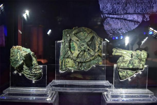 This device, the Antikythera Mechanism, is considered the oldest computer in the world. Through a series of gears, it was used to predict astronomical positions and eclipses for calendrical and astrological purposes. (Weekend Wayfarers / CC BY 2.0)