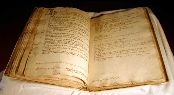 The documents about Aberdeen are nearly complete from the era of 1398 to 1511.