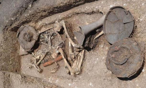 The double burial found at the Beshtasheni, Georgia burial site.