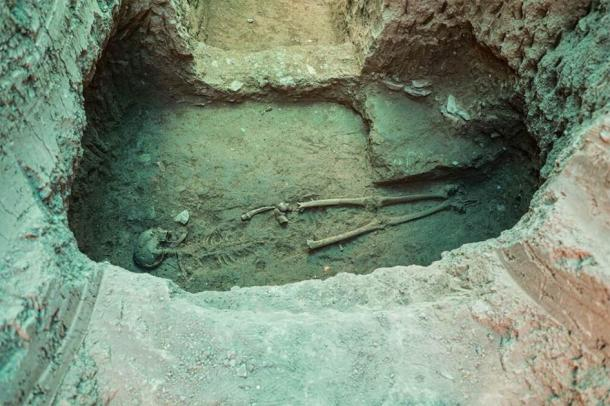 One of the earlier burial discoveries of this year (2020) at the Tepe Ashraf site and also an extremely valuable find. (Tehran Times / CC BY 4.0)