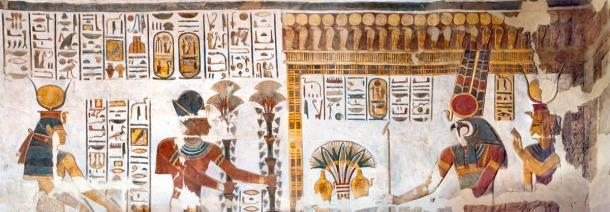 Ancient Egyptian gods (Amun-Ra and goddess Mut can be seen to the right) and pharaohs found in the Khonsu Temple. (kairoinfo4u / CC BY-NC-SA 2.0)