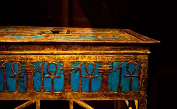 An elaborate box from Yuya and Tjuyu's tomb bearing Amenhotep III's cartouche. (CC BY-SA 2.0)