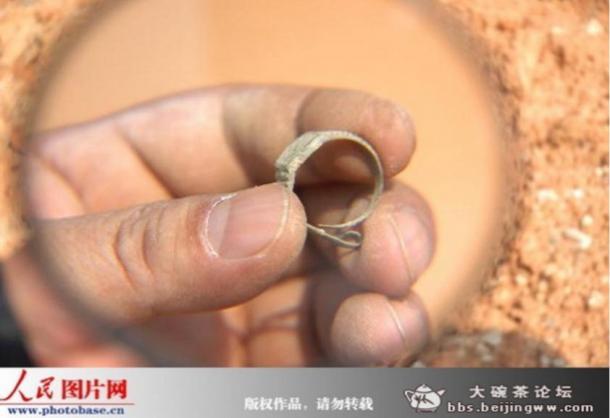 Язон Масон - Кольцо в виде швейцарских часов было обнаружено в 400-летней китайской гробнице – еще одно доказательство для путешествий во времени? Enigmatic-ring-watch