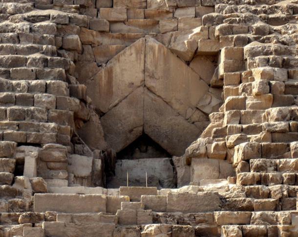 The entrance of the Pyramid. (Olaf Tausch / CC BY-SA 3.0)