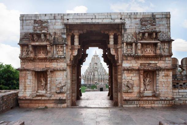 Entrance to Vijay Stambh at Chittorgarh Fort, with a view of Mirabai Temple through the gate. (RealityImages / Adobe Stock)