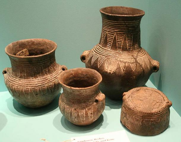 An example of corded ware pottery.