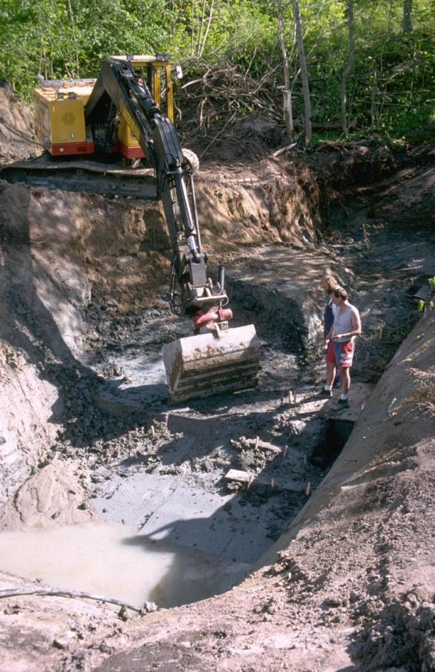 This is an excavation of the Huseby-Klev site in the 1990's.