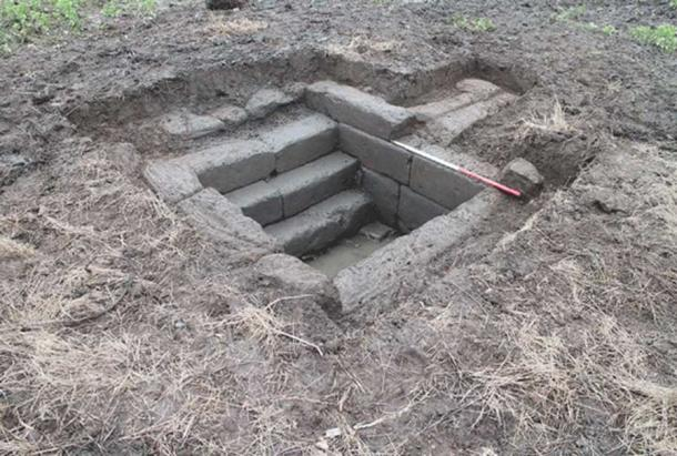 The well during excavations