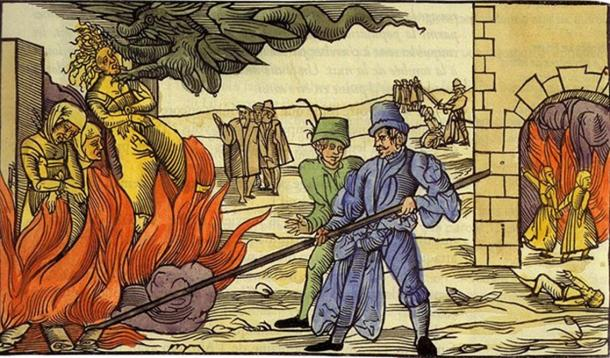 It is estimated that the number of people executed for witchcraft was between 40,000 and 100,000. (public domain)