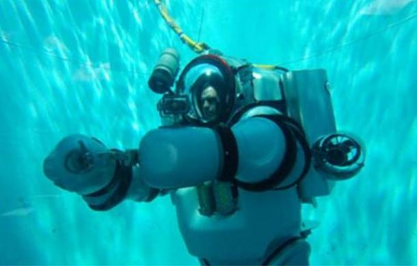 Exosuit (robot exo-suit with human operator inside) developed by Nuytco research.