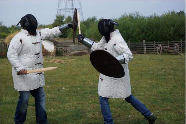 The experts performed the controlled weapons, where they practiced possible fighting techniques of Bronze Age warfare. (R. Herman et al. / Journal of Archaeological Method and Theory)