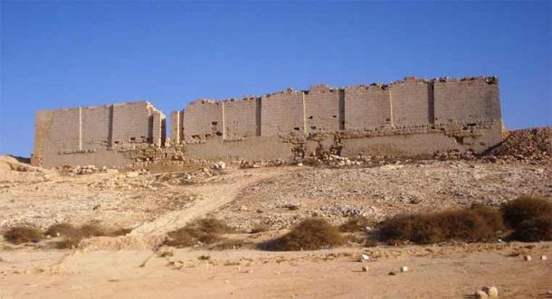 North facade of the Osiris Temple ruin in Taposiris Magna, west of Alexandria, facing the sea. (Koantao/ CC BY-SA 3.0)